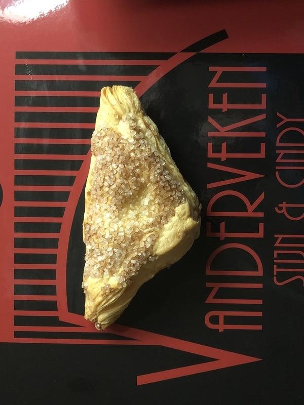 Abrikozeflap in bladerdeeg